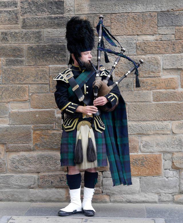 Doedelzakspeler in Edinburgh