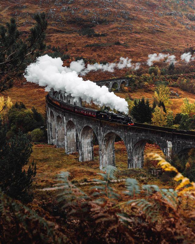 Jacobite Steam Train, Glenfinnan
